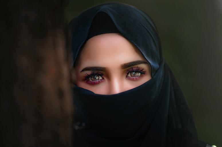 hijab-3064633_1920